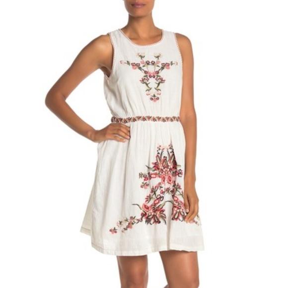 Max Studio Dresses & Skirts - White Max Studio Floral Embroidered Dress (NWT)